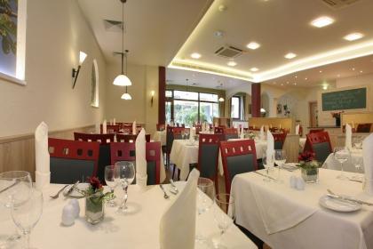 Hotel Kastanienhof Erding**** - Service